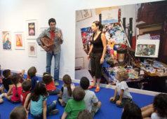 שיח גלריה ושעת סיפור בתערוכה פאול קור