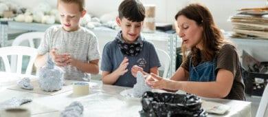 חוגים לילדים ולנוער במוזיאון פתח תקוה לאמנות