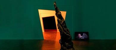 מוזיאון, ישות חיה – שיח גלריה עם דרורית גור אריה ובר ירושלמי, אוצר התערוכה